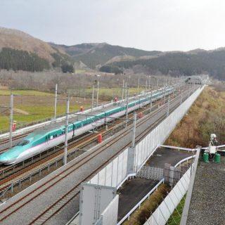 青函トンネルを抜けて走る北海道新幹線
